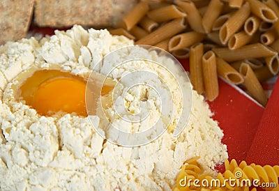 Leguminosa, cereais, massa, arroz, pão, ovo, farinha, biscoitos, polenta do milho