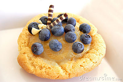 Lemon Curd Sugar Cookie with Blueberries