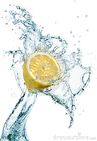 Free Lemon In Water Splash Royalty Free Stock Images - 8275899