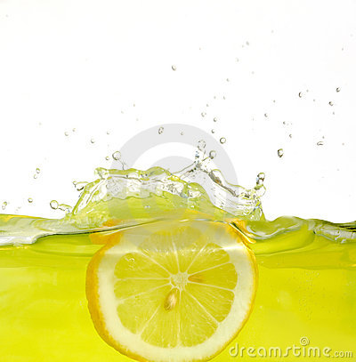 Free Lemon Into Juice Royalty Free Stock Images - 7133039