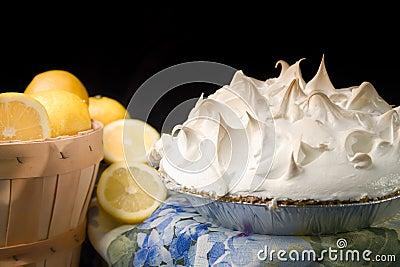 Lemon meringue pie with basket