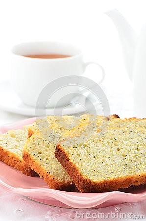 Lemon poppyseed loaf slices