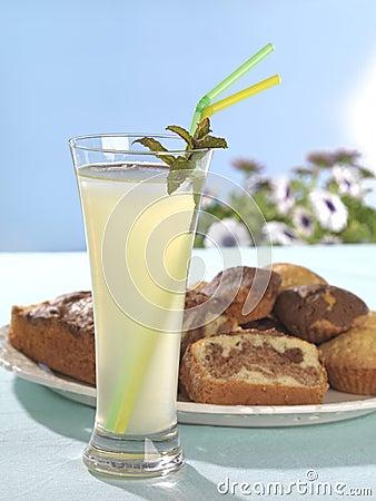 Lemonade and cake