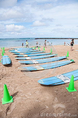 Leçons de ressac de Waikiki Photo éditorial