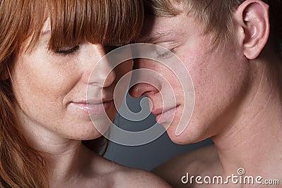 Les couples aiment des jeunes