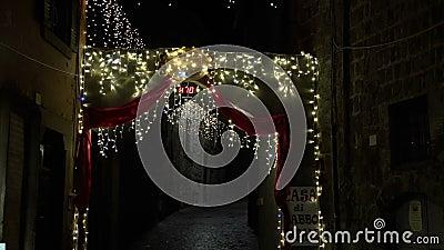 Les lumières de Noël offrent toujours une atmosphère phantasagorical FDV banque de vidéos