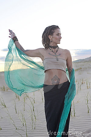 Free Let Go Yoga Woman In The Desert Stock Images - 19874444