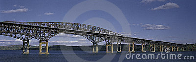 Leuchtfeuer-Brücke