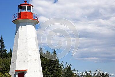 Leuchtturm und blauer Himmel