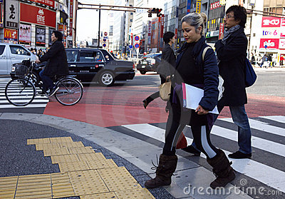 Leute Shibuya Überfahrt Tokyo Japan Redaktionelles Stockbild