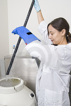 Level dimension of liquid nitrogen