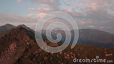 Lever de soleil dans les Alpes autrichiens banque de vidéos