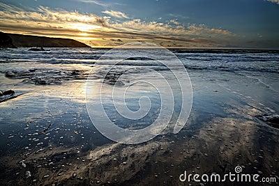 Lever de soleil par l océan