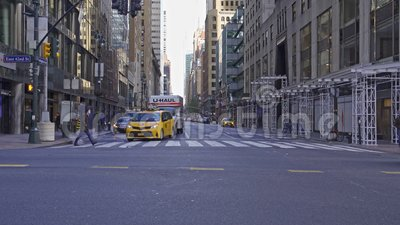Lexington Ave y 42nd Street en Nueva York, Estados Unidos almacen de video