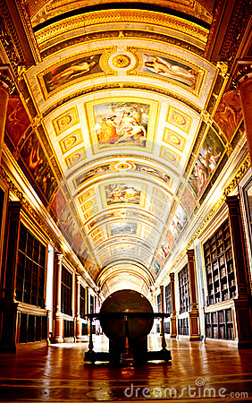 Library of Fontainebleau palace