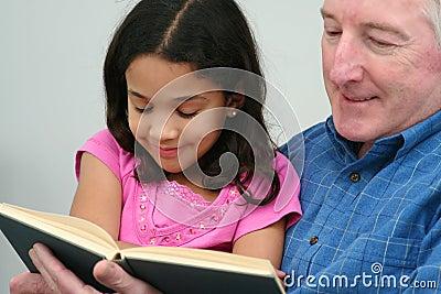 Libro de lectura de abuelo