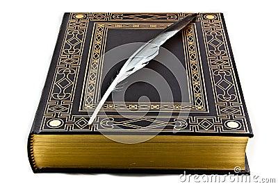 """""""El placer de leer un libro"""" Poema dedicado al día del libro Libro-y-pluma-antiguos-thumb13582551"""