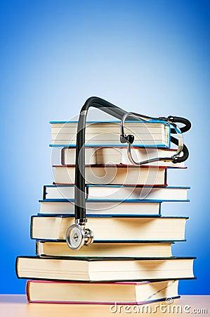 Libros y estetoscopio