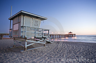 Life Guard Tower and Manhattan Beach Pier