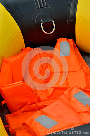 Life jacket of rubber boat