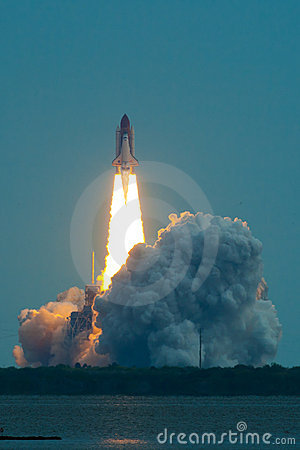 Free Lift Off Of Endeavour STS-134 Royalty Free Stock Image - 22224396