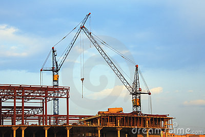 Lifting cranes and building