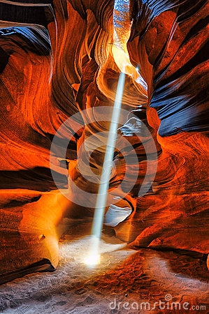 Free Light And Shadows Antelope Canyon Royalty Free Stock Images - 55810519