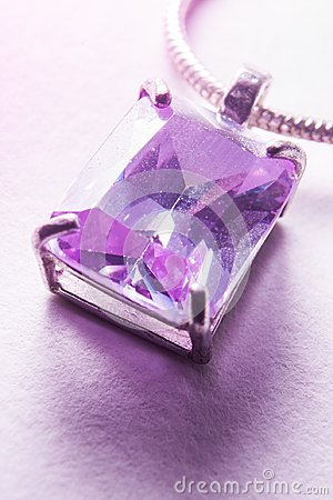 Free Light Shining Through A Violet Pendant Royalty Free Stock Images - 113309989
