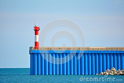 Lighthouse and sheet pile wall