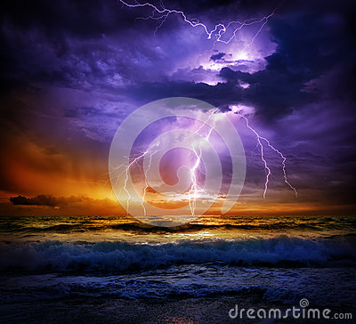 Free Lightning And Storm On Sea To The Sunset Stock Photography - 55919682