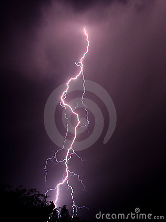 Free Lightning Bolt Royalty Free Stock Images - 1013729