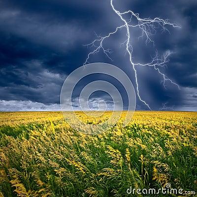 Free Lightning Flashes Royalty Free Stock Image - 10395456
