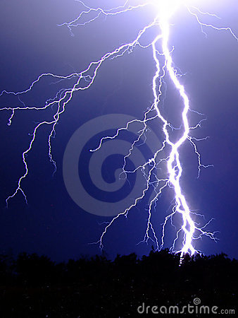 Free Lightning Strike Royalty Free Stock Images - 12730259
