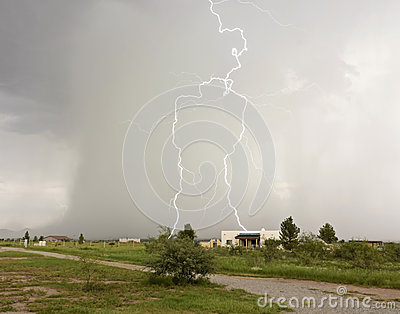 A Lightning Strike Looks Like a Giant