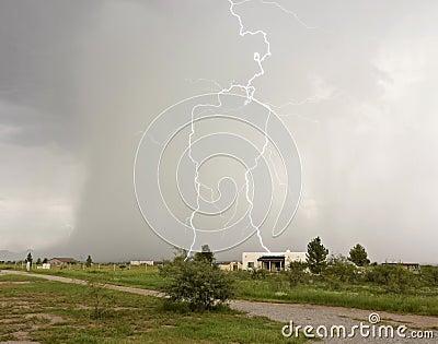 A Lightning Strike Looks Like a Giant