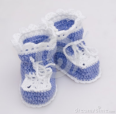 Lilac baby s bootees