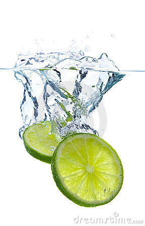 Free Lime Slices Falling Into The Water Stock Image - 8491971
