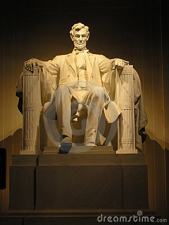 Free Lincoln S Statue At Night Royalty Free Stock Photo - 1815575