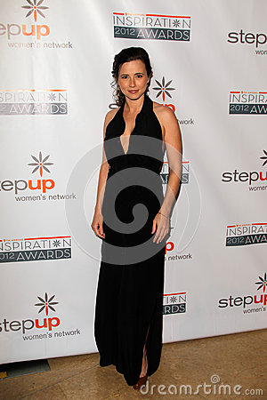 Linda Cardellini arriving at StepUp Women s Network Inspiration Awards Editorial Photography