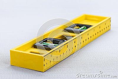 Linha nível amarela
