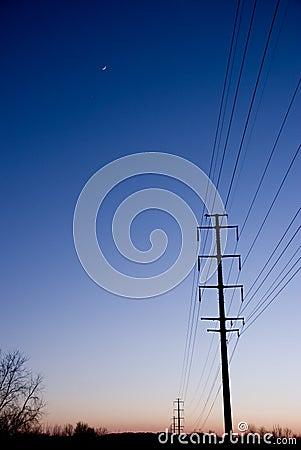 Linhas elétricas no por do sol Copyspace
