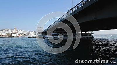 Liniowów zwroty pod mostem, passanger transport, Bosporus rejs w Istanbuł zbiory
