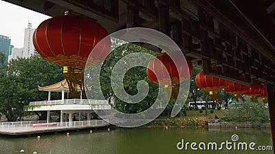 Linterna roja china para celebrar el año nuevo chino almacen de metraje de vídeo