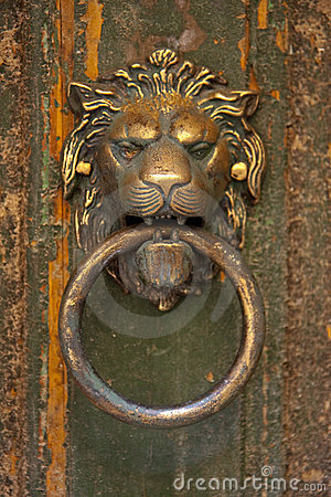 Lion s head door knocker