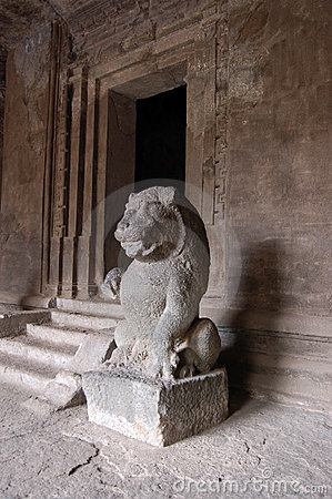 Lion statue, Hindu temple, Elephanta caves