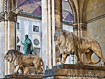 Lions statues