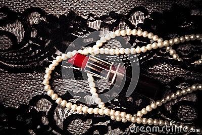Lipstick pearls lace