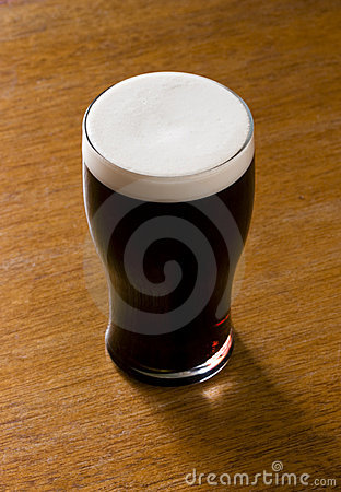 Free Liquid Gold - A Pint Of Stout Royalty Free Stock Image - 295766