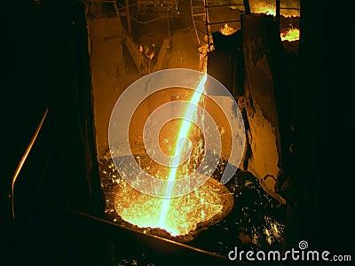 Liquid metal from casting ladle