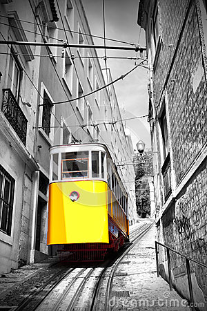 Free Lisbon S Funicular Royalty Free Stock Photography - 26073517